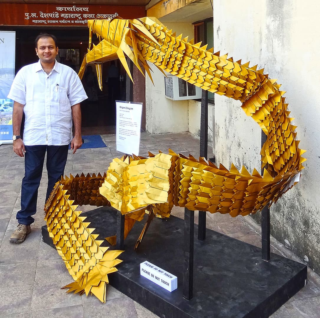 25 ft Origami Golden Dragon by Himanshu Mumbai India orukami
